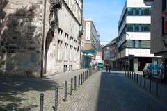 Op de straten van Keulen Stock Afbeeldingen