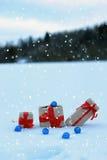 Op de van de de doosbal van de sneeuwgift het landschapssneeuwvlok Royalty-vrije Stock Foto