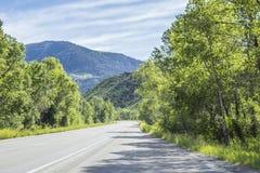 Op de weg aan Paonia-het Park van de Staat, Colorado, Stock Foto's