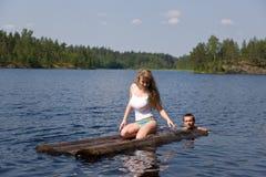 Op de zomermeer Stock Afbeelding