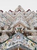 Op dicht bij de Belangrijkste Pagode in Wat Arun, Bangkok, Thailand stock foto's