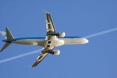 Op een blauwe hemel in mijn vliegtuig Royalty-vrije Stock Afbeeldingen