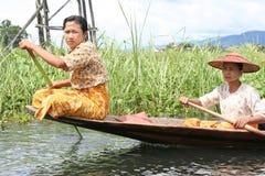 Op een boot in Myanmar royalty-vrije stock fotografie
