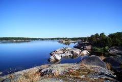 Op een eiland van de archipel van Stockholm Stock Foto