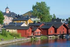 Op een zonnige Juni-dag in de oude stad van Porvoo finland Stock Fotografie