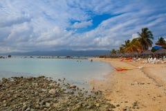 Op het strand Playa Giron, Cuba Stock Afbeeldingen