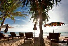 Op het tropische strand Royalty-vrije Stock Foto