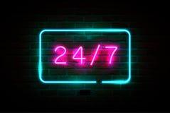 24 op 7 roze gloeiend neonuithangbord vector illustratie