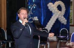 Op stadium die Vasily Gerello G zingen – sovjet en Russische operazanger (bariton) Royalty-vrije Stock Afbeeldingen