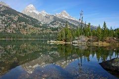 Op Taggart Lake royalty-vrije stock fotografie