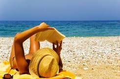 Op vakantie bij het strand Royalty-vrije Stock Foto's