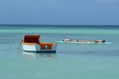 Op zee het ontspannen Royalty-vrije Stock Foto's