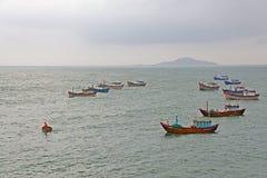 Op zee vissersboten Royalty-vrije Stock Foto's