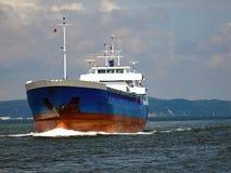 Op zee vrachtschip Royalty-vrije Stock Afbeeldingen