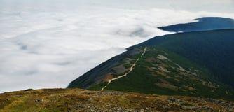 Opacidade no tempo inverso na montanha Montanhas gigantes, república checa foto de stock royalty free