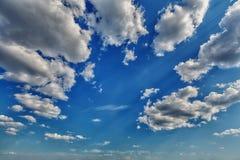 opacifie le blanc de cumulus photographie stock libre de droits