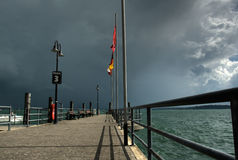 opacifie le lac au-dessus de la tempête Photos stock
