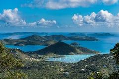 Opacifiez l'archipel ombragé outre de la côte de l'île de St Johns Photographie stock