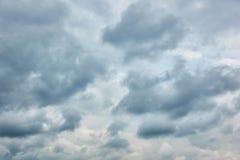 Opacité - nuages gris images libres de droits