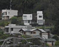 Opadowy dom przy górą Obraz Stock