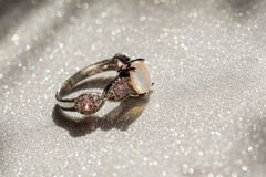 Opal Ring blanco Fotografía de archivo libre de regalías