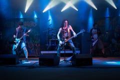 Opalenica, Polonia: 09 10 2016: Bebedores ácidos del concierto, al oscilar sábado imagen de archivo