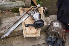 Opancerzenie uczestnicy w rywalizacji dla Średniowiecznej bitwy zdjęcia stock