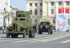 Opancerzony samochód BA-3 i samochód GAZ-AA przy próbą parada na cześć zwycięstwo dzień St Petersburg Obrazy Royalty Free