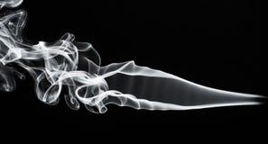 Opar: Biel dymna abstrakcja na czerni fotografia stock