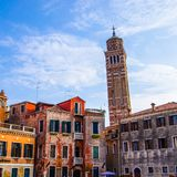 Oparty dzwonkowy wierza Burano fotografia royalty free