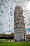 Oparty wierza Pisa, Włochy Fotografia Royalty Free