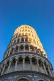 Oparty wierza Pisa, Włochy Obrazy Stock