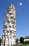 Oparty wierza Pisa w piazza dei Miracoli 17 Zdjęcia Stock