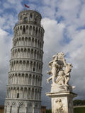 Oparty wierza Pisa w Tuscany, Włochy Zdjęcia Stock