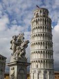 Oparty wierza Pisa w Tuscany, Włochy Zdjęcia Royalty Free