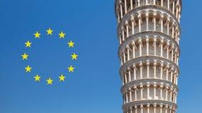 Oparty wierza Pisa z Europejskim zjednoczeniem obok go fotografia royalty free
