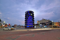 Oparty wierza Teluk Intan przy nocą Fotografia Stock