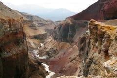 Opasniy峡谷。 库存照片