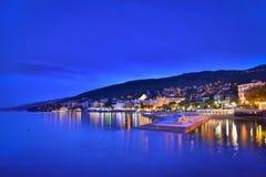 Opatija por la noche, Croacia Foto de archivo