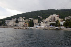 Opatija Riviera mit Stränden, Hotels und Landhäusern Stockfotografie