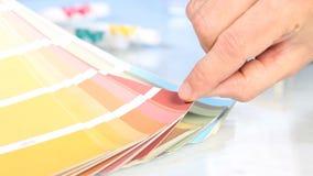 Opción de la escala de colores de la paleta, el señalar de la mano metrajes