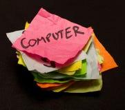 Opciones de la vida - gastar dinero en los ordenadores Imágenes de archivo libres de regalías