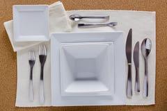 Opcja stołu położenie z kwadratowymi talerzami Fotografia Stock