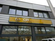 Opel-Firmenauto-vertragshändler Lizenzfreies Stockfoto