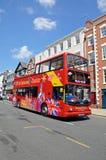 Open överträffade turnerar bussen, Chester Arkivfoto