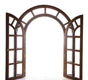 Open arqueó la puerta de madera en un fondo blanco Imagen de archivo
