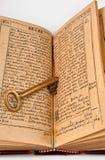 Open Bijbel met sleutel Royalty-vrije Stock Afbeelding