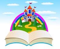 Open boek met een sprookjepaleis op de rand van het bos Stock Afbeeldingen