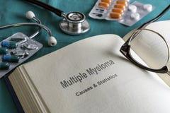 Open Boek van veelvoudige myeloma stock foto's