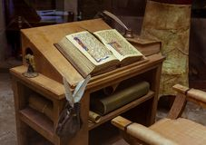 Open Book blank on old wood table Royalty Free Stock Photos